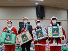 크리스마스 선물나눔 (1).JPG